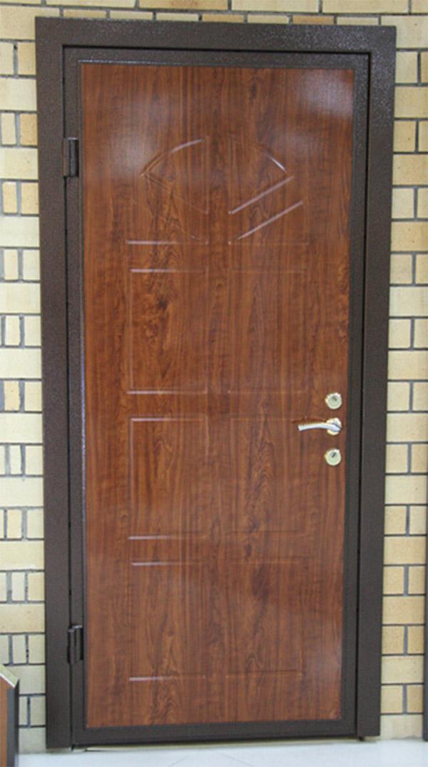 Входная дверь в дом 14