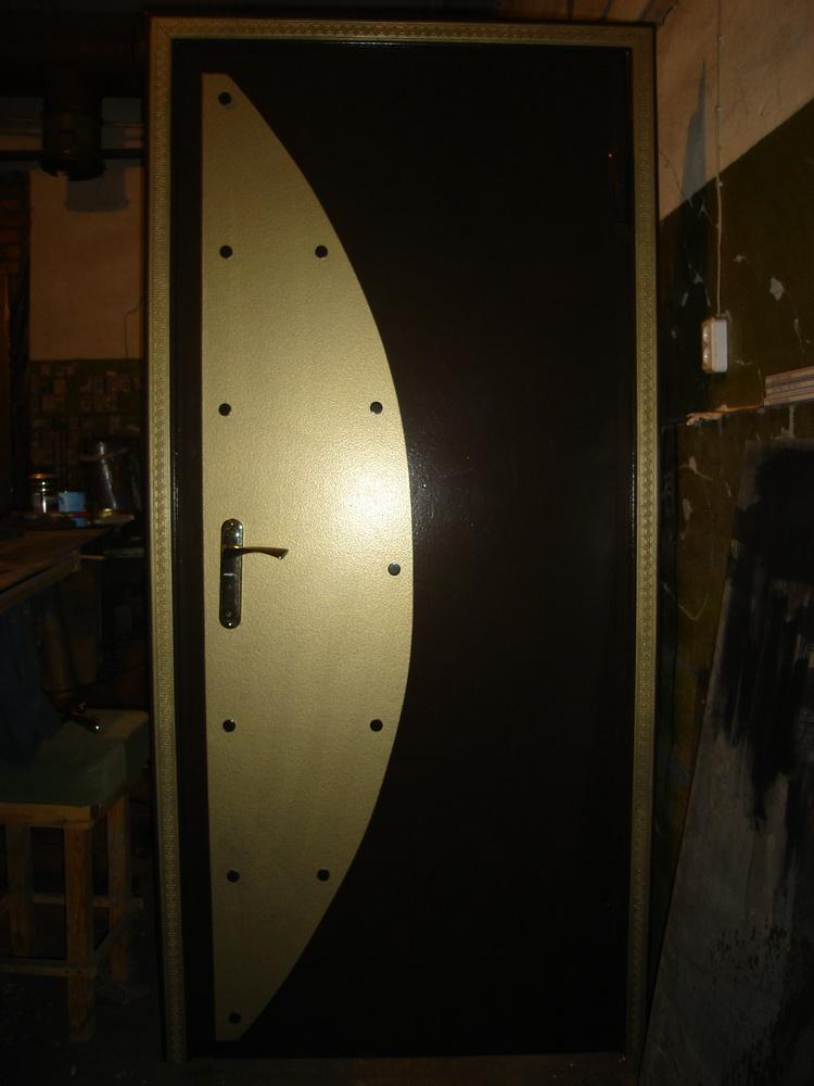 Входная дверь в дом 15