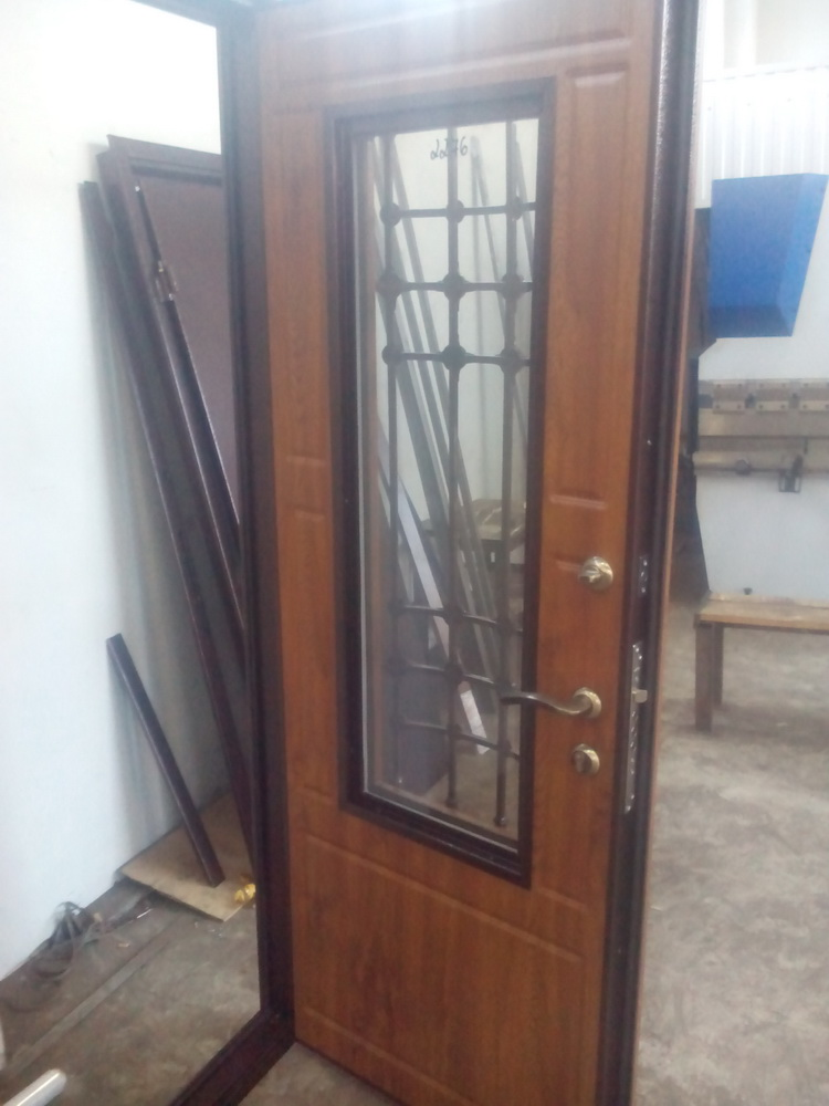Входная дверь в дом 4