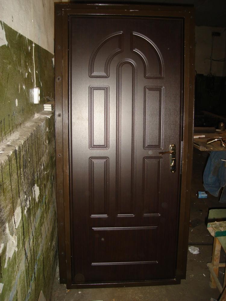 Входная дверь в дом 9