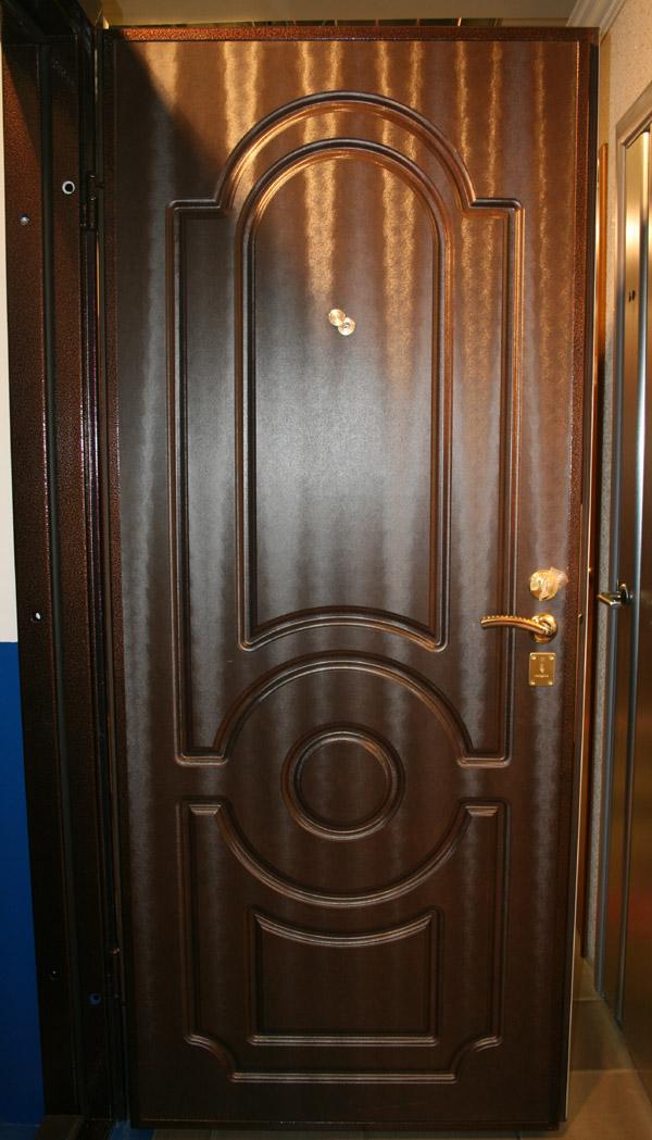 Входная дверь в квартиру 5