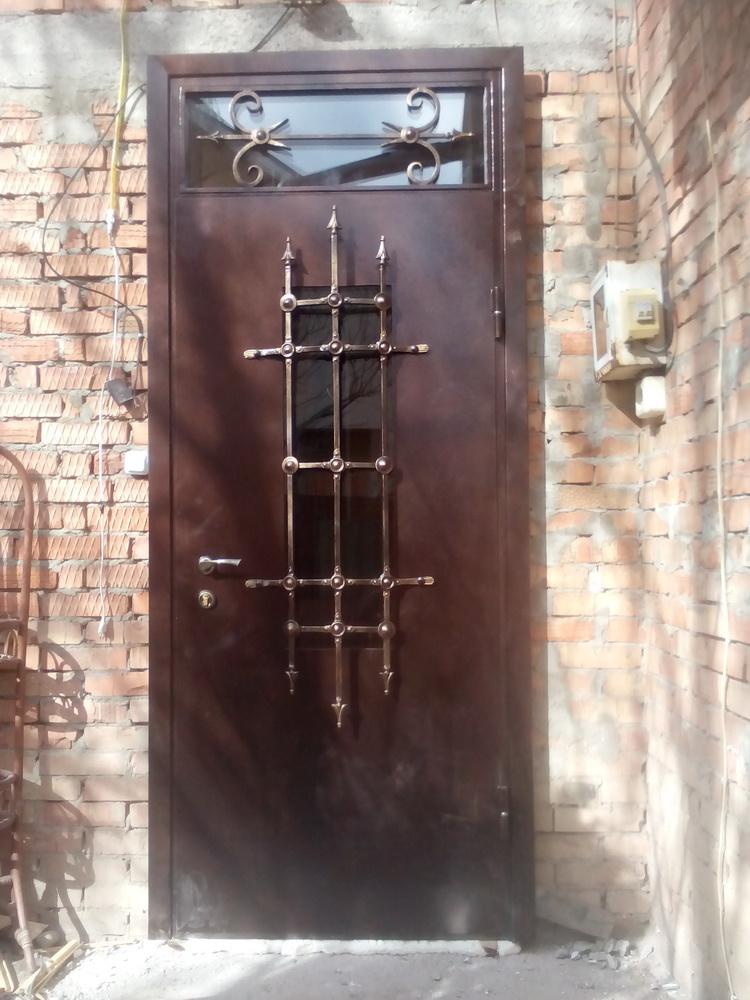 Уличная дверь 1