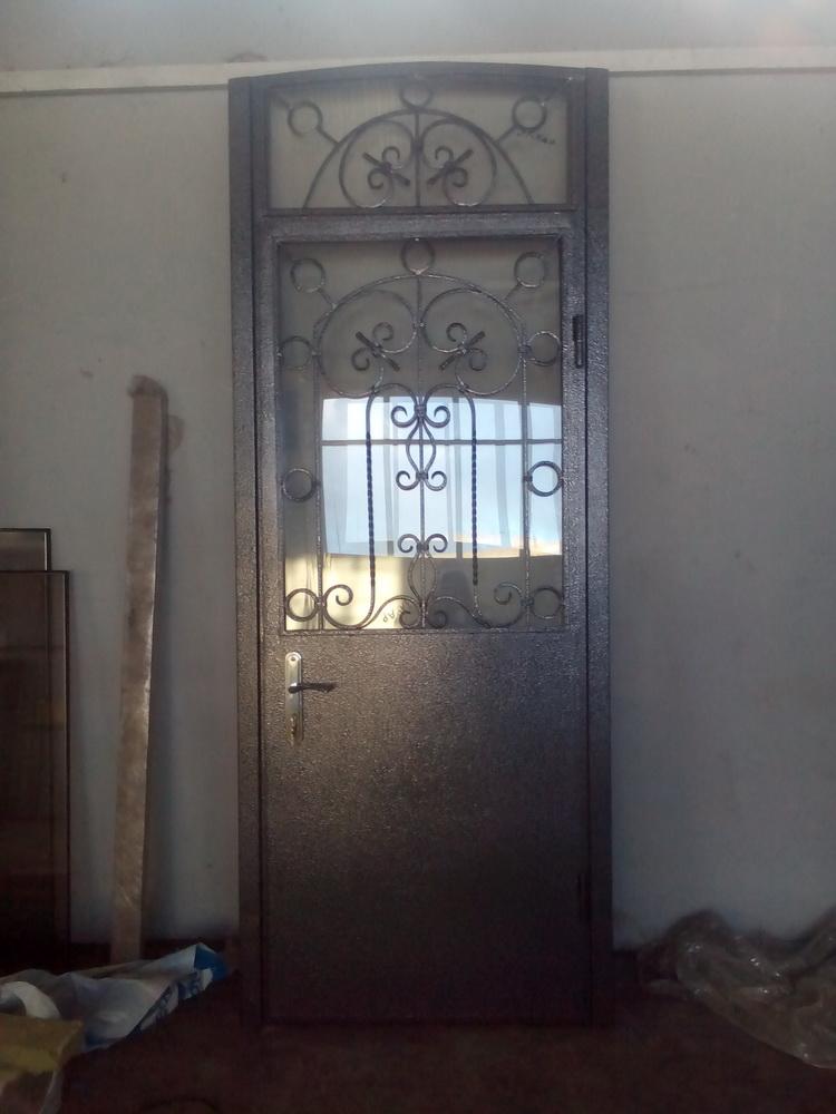 Уличная дверь 13