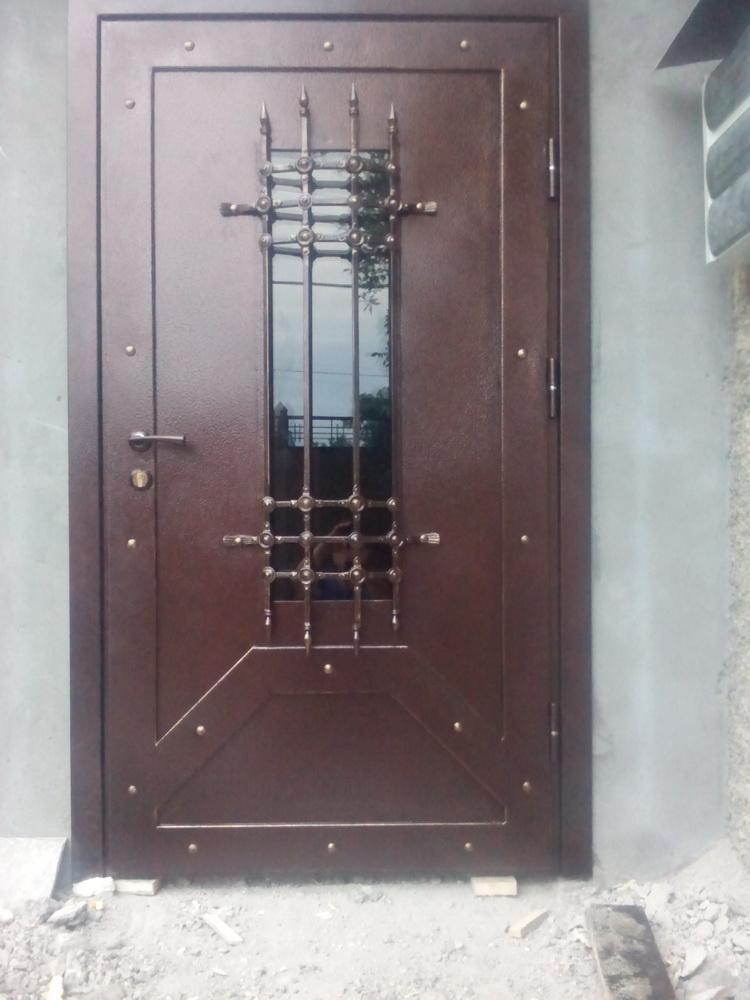 Уличная дверь 3