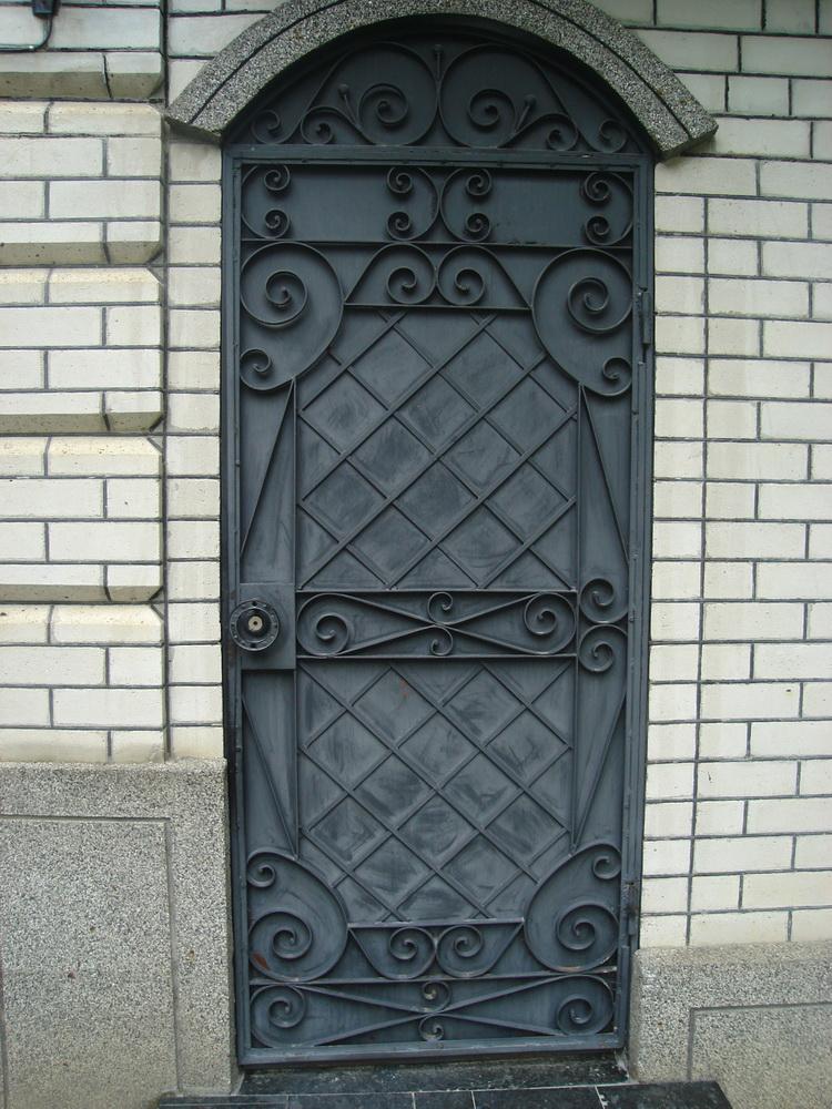 Уличная дверь 7
